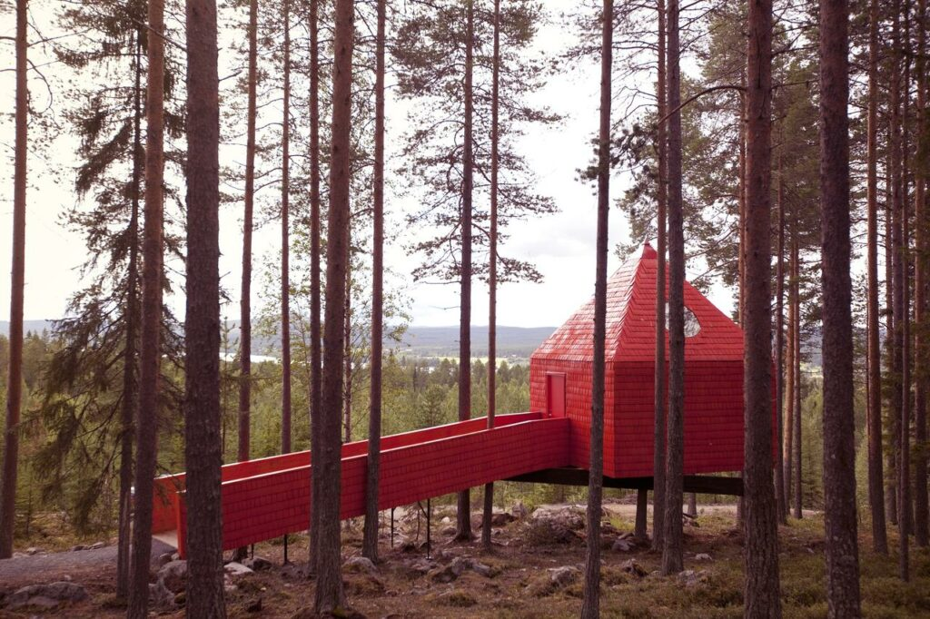Treehotel Blue Cone